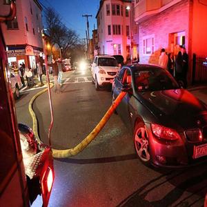 پارک کردن جلوی شیرهای آتش نشانی
